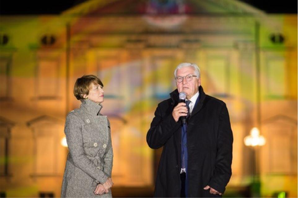 """Bundespräsident Frank Walter Steinmeier verleiht den Sonderpreis """"Demokratie"""""""
