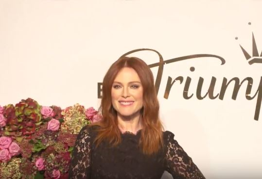 Julianne Moore - Florale by Triumph